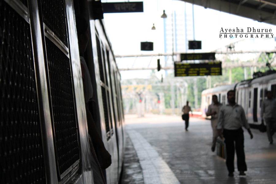 a-train-ride-ayesha-dhurue-photography-mumbai-street0-people (6)